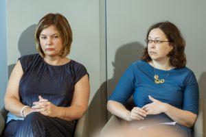 Ieva Dreifelde ar Ievu Leimani sēž konferencē