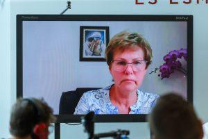 TV ekrāns kurā redzama Ārija Martukāne